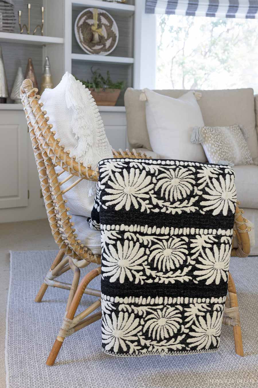 Gorgeous black and white throw at an amazing price!