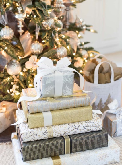10 Christmas Present Wrapping Ideas to Take Your Presents to the Next Level!