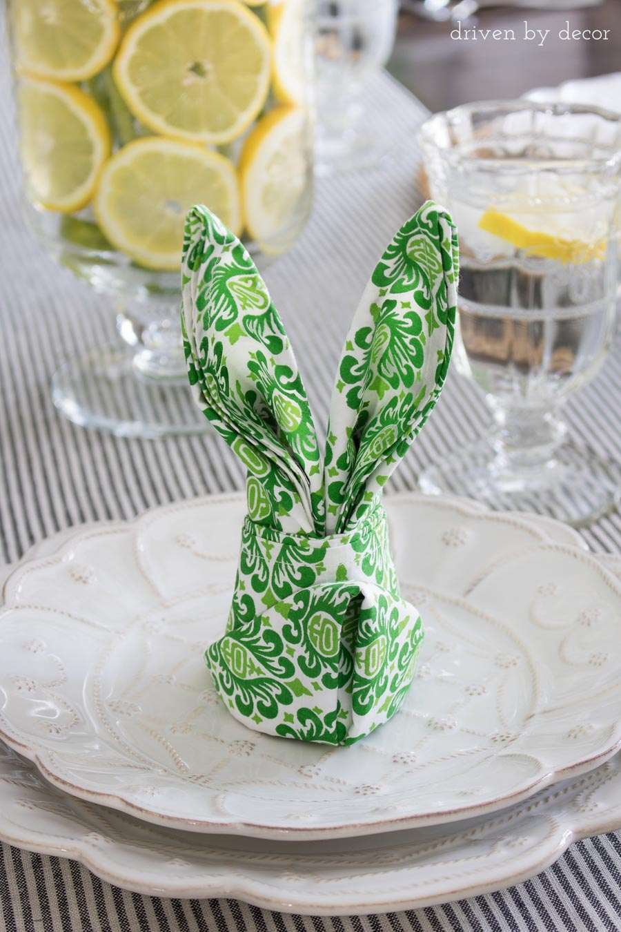 The Cutest, Simplest Table Decorations For Easter   Napkins Folded Into The  Shape Of Bunny