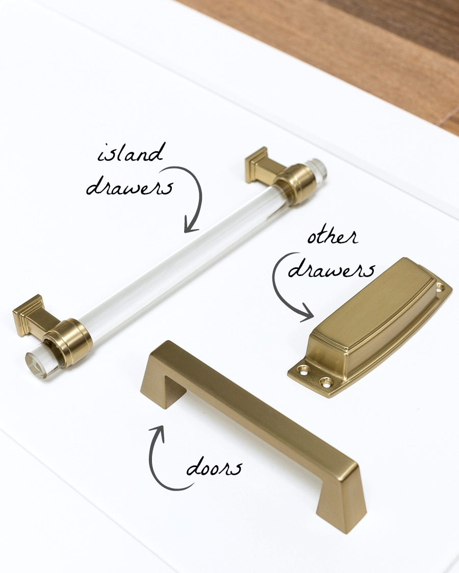 Love these kitchen cabinet pulls in a soft brass (Golden Champagne)