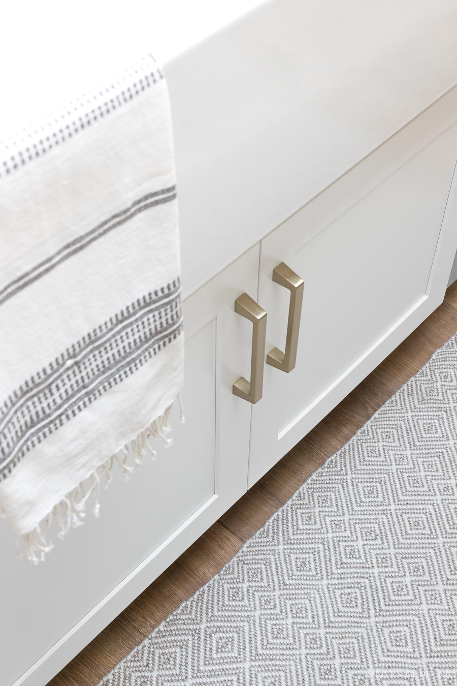 Gorgeous soft brass pulls - perfect for a kitchen update. Come in several sizes!