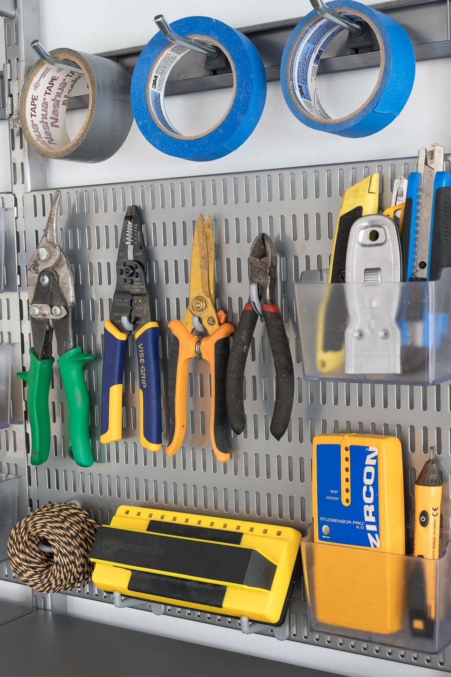 Garage organization goals! Such a smart way to organize your tools so they're super neat and easy to grab (using Elfa's utility boards and hooks!)