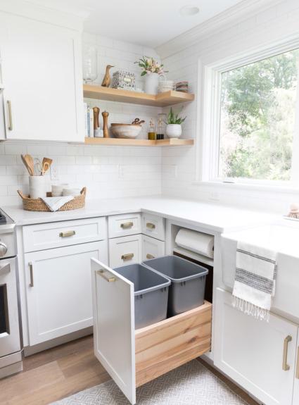 Kitchen Cabinet Storage & Organization Ideas!