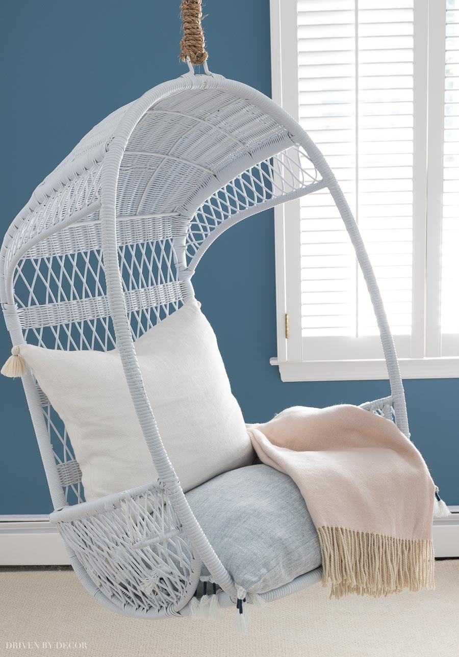 Loving this hanging swing chair! So perfect for a kids room!!