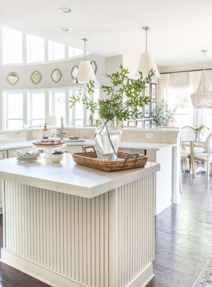 Smart Kitchen Updates, Organizational Ideas to Steal, & Holiday Home Favorites!