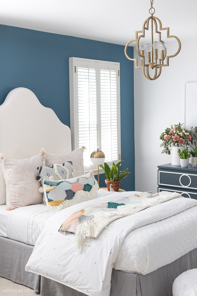 Loving this boho chic kids bedroom makeover!
