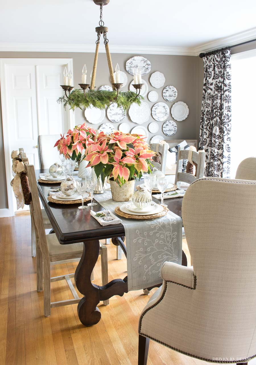 Love the classic rope chandelier in this New England dining room!