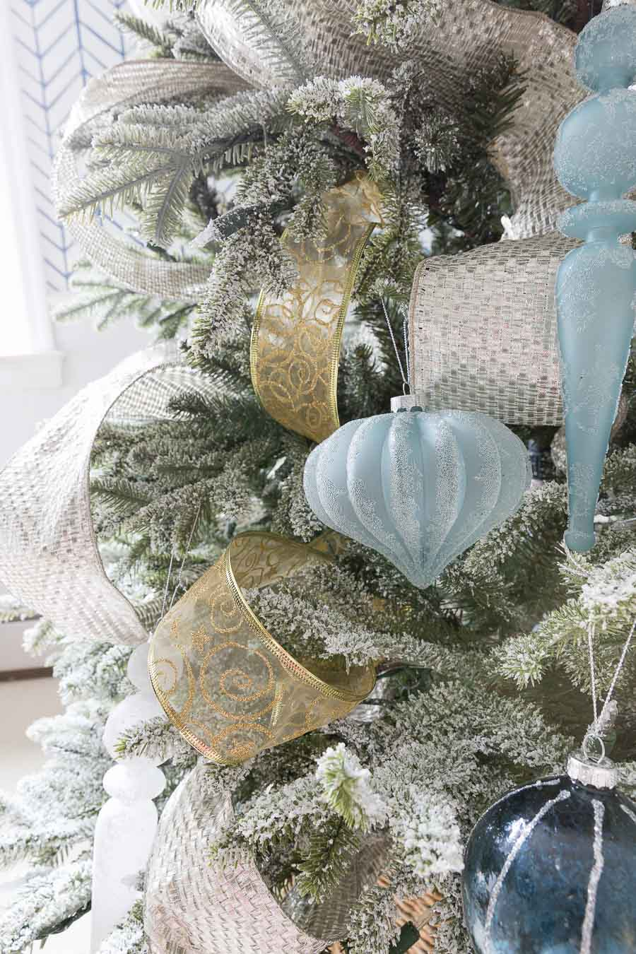 Where to find the best ribbon for decorating your Christmas tree!