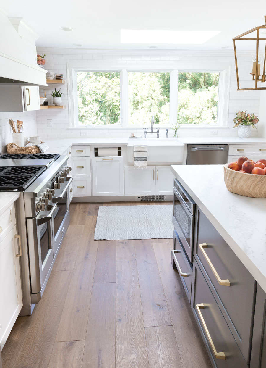 Gorgeous light oak prefinished engineered hardwood floors! A flooring trend in 2019!
