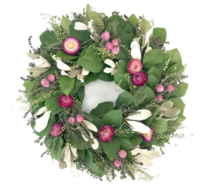 Loving this pink floral wreath for spring!!