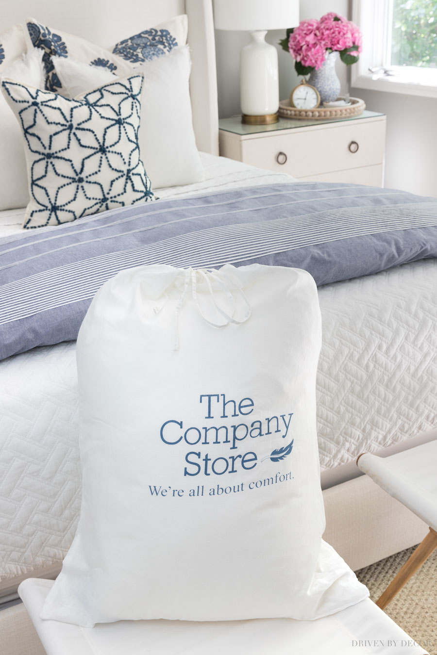 Great advice on the best bed pillows - love that these come with a storage bag!