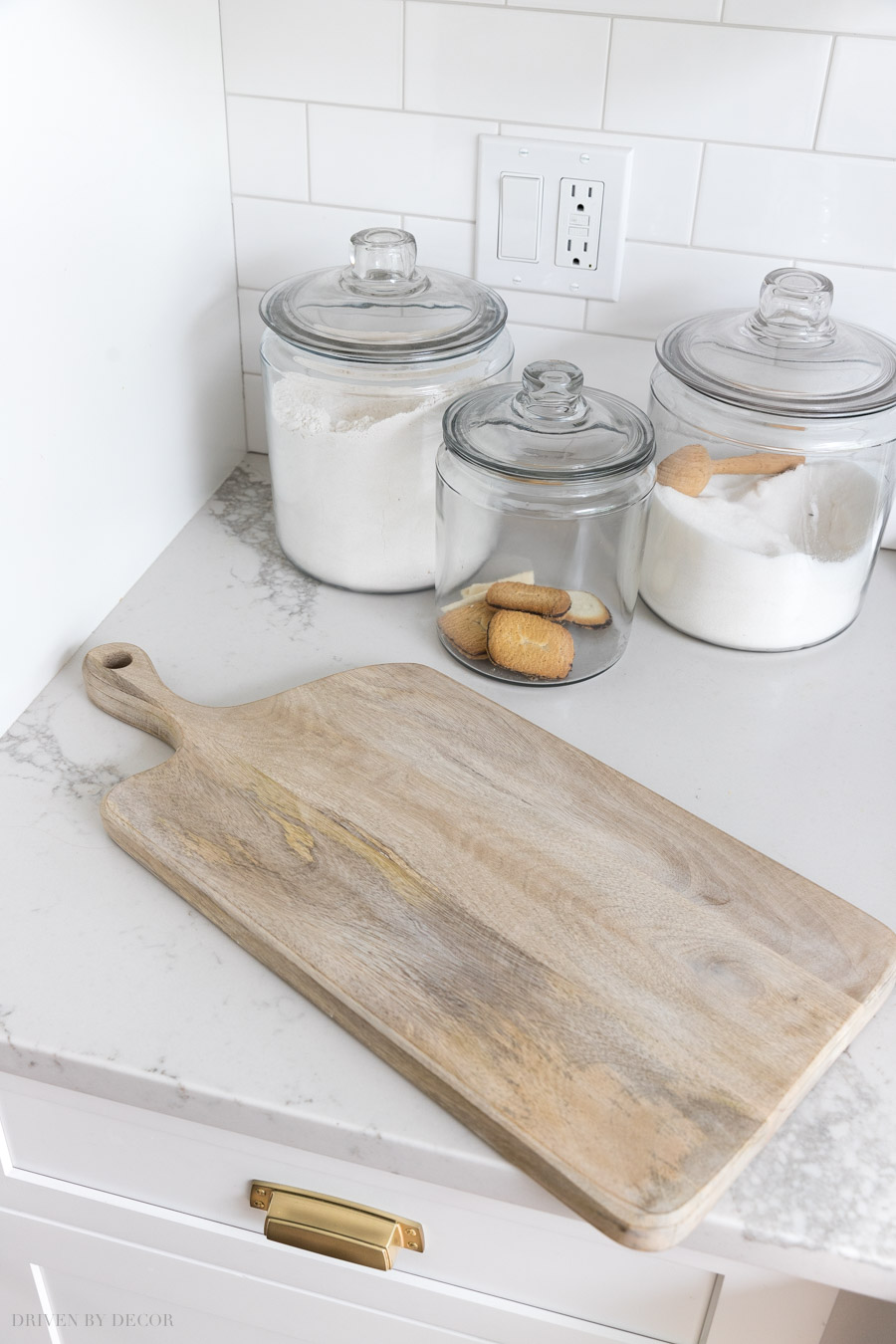 LOVE this gray wash wood serving board!