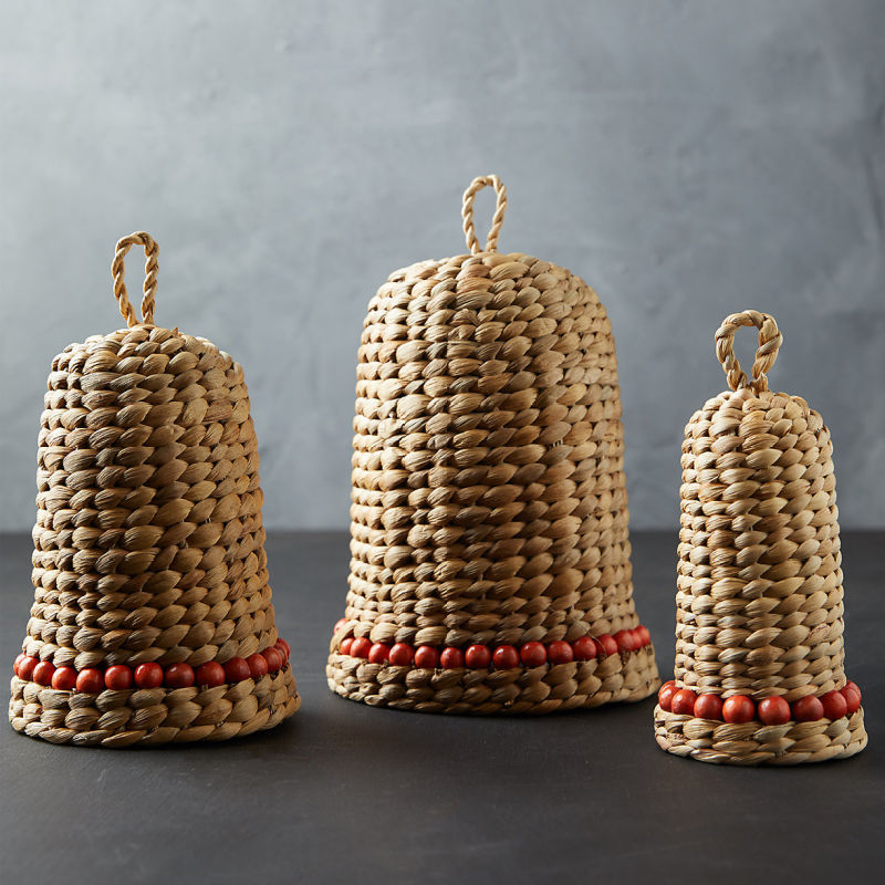 Love this trio of woven bells for Christmas!