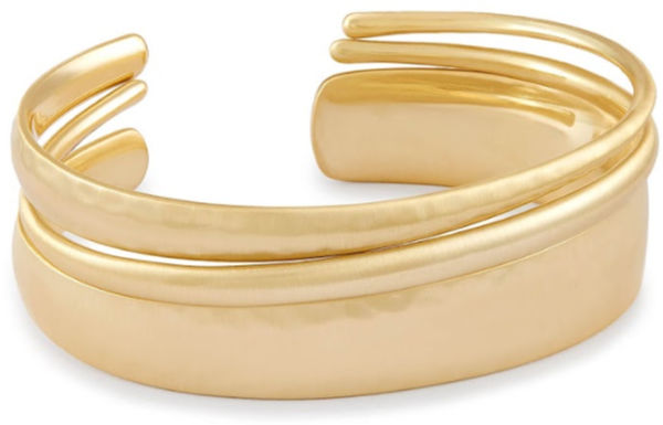 Love these stacked gold bracelets! Adding to my Christmas wish list!