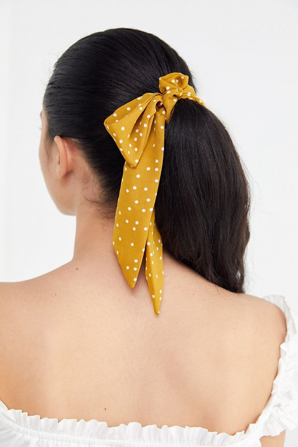 Love all of these cute bow scrunchies! Adding to my Christmas wish list!