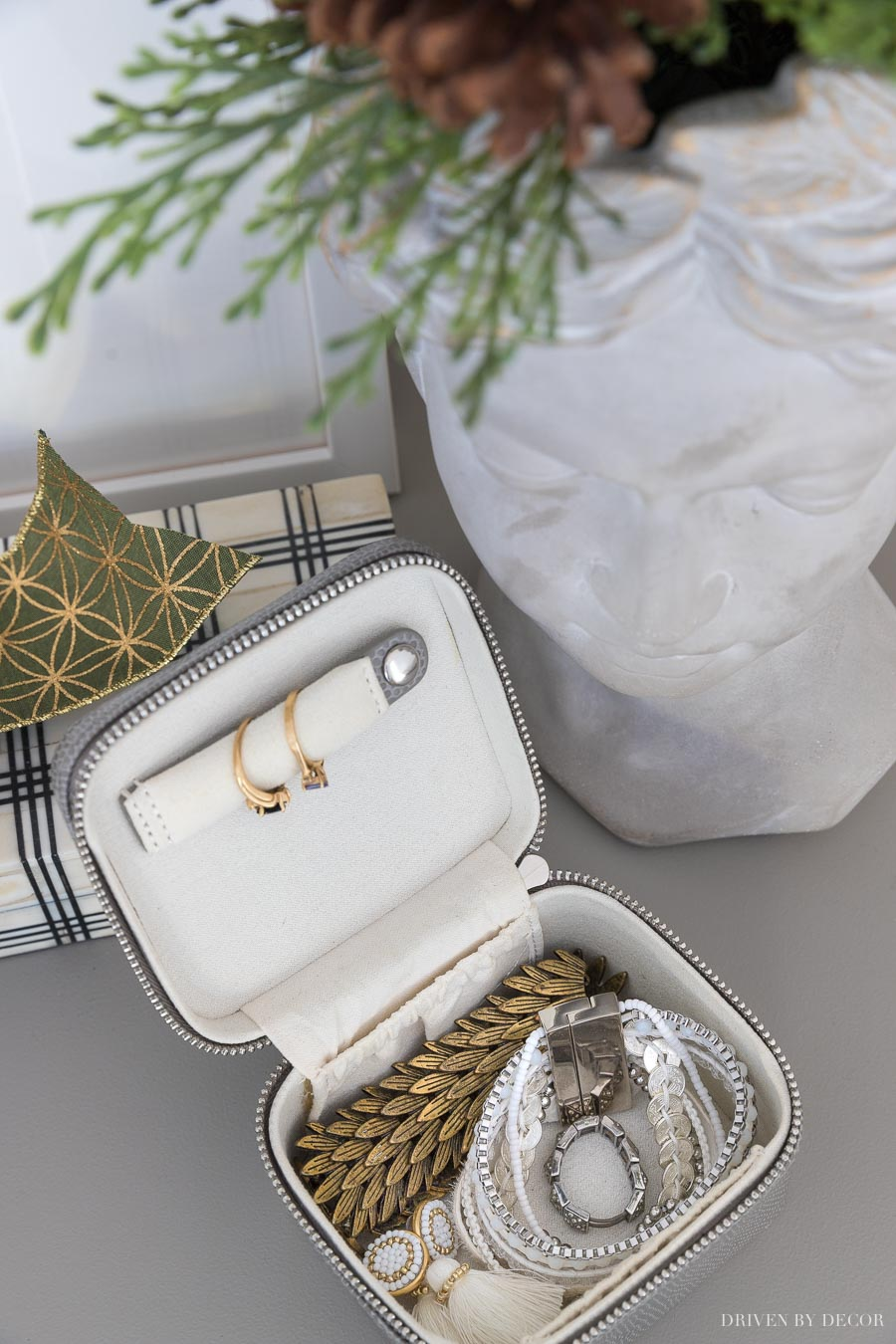 This jewelry travel case is at the top of my Christmas wish list - love it!