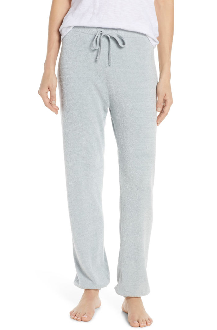 Definitely on my Christmas wish list! Super cozy joggers!