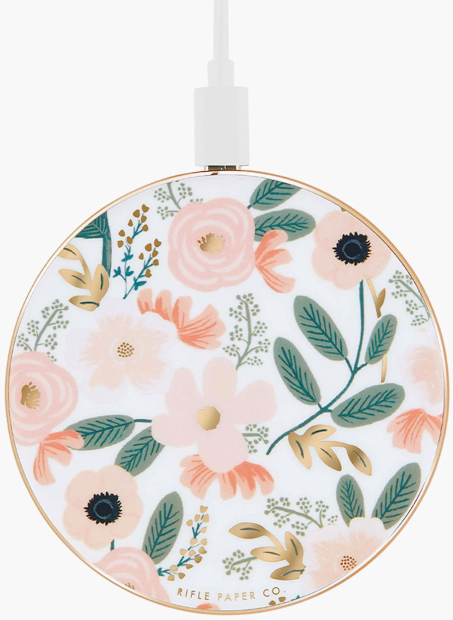 Adding this pretty wireless charger to my Christmas wish list!
