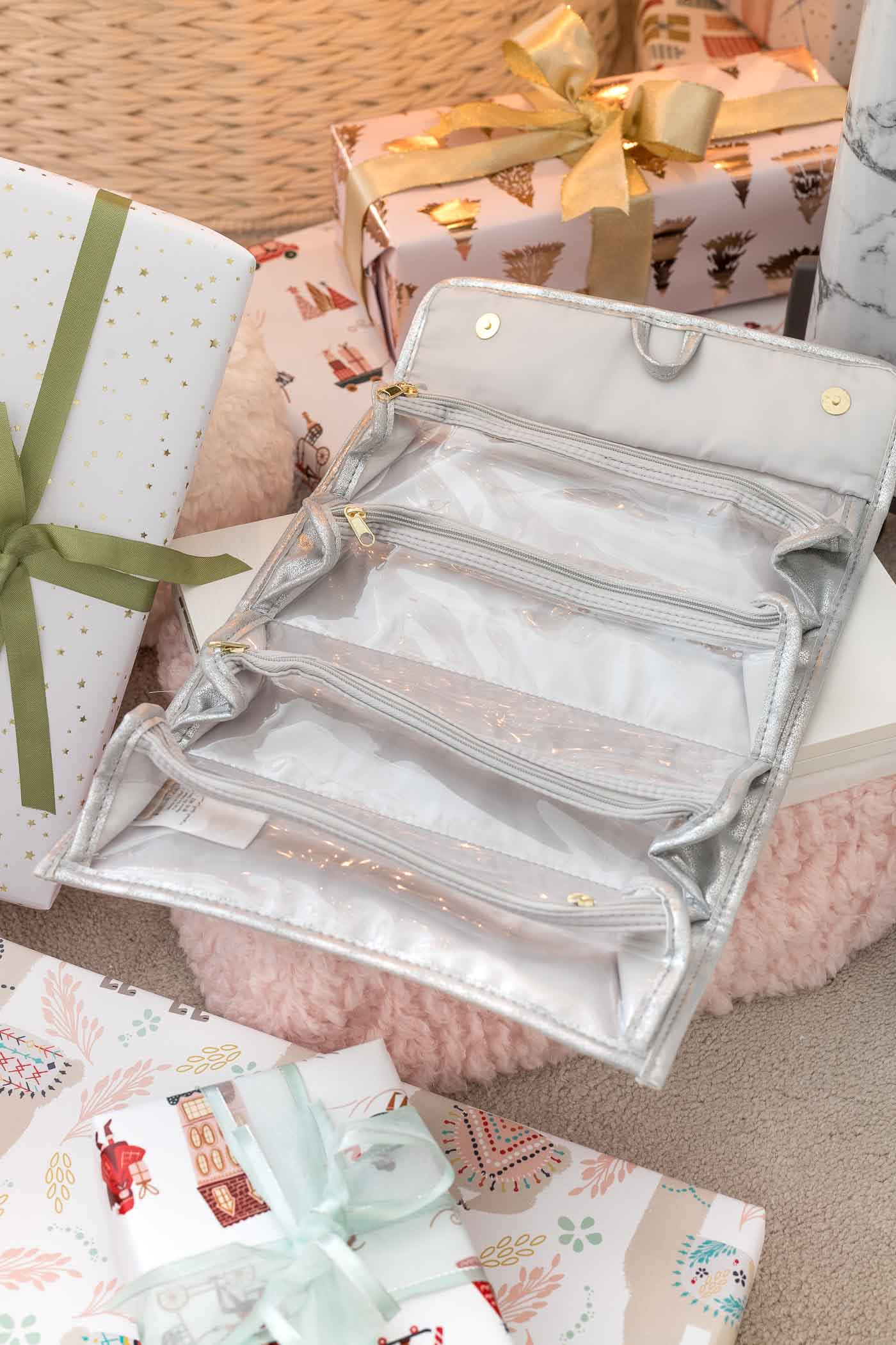 Roll-up toiletry bag that's a perfect Christmas gift idea for teen girls!
