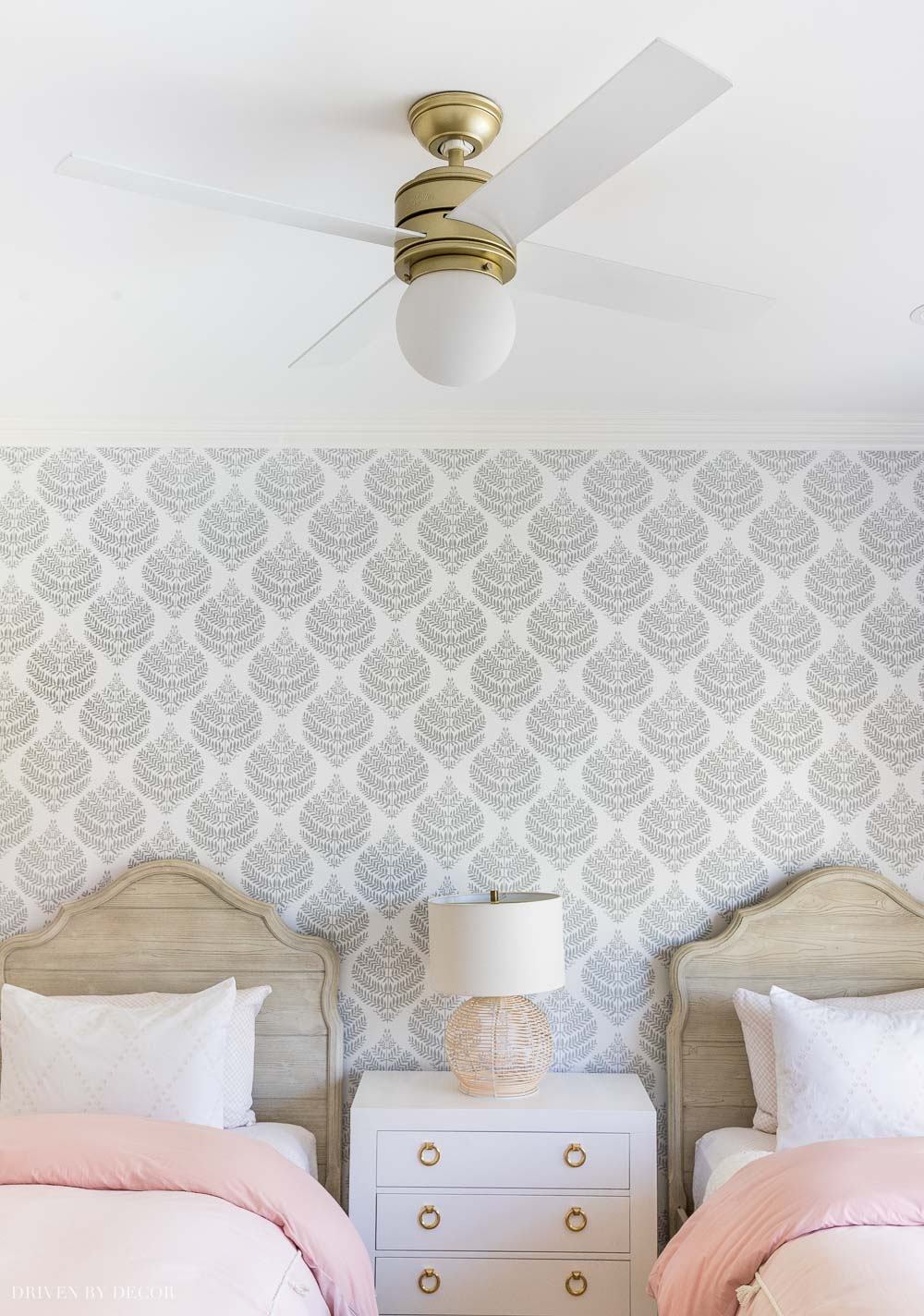 Love this ceiling fan I have in two bedrooms - such an awesome Amazon home find!
