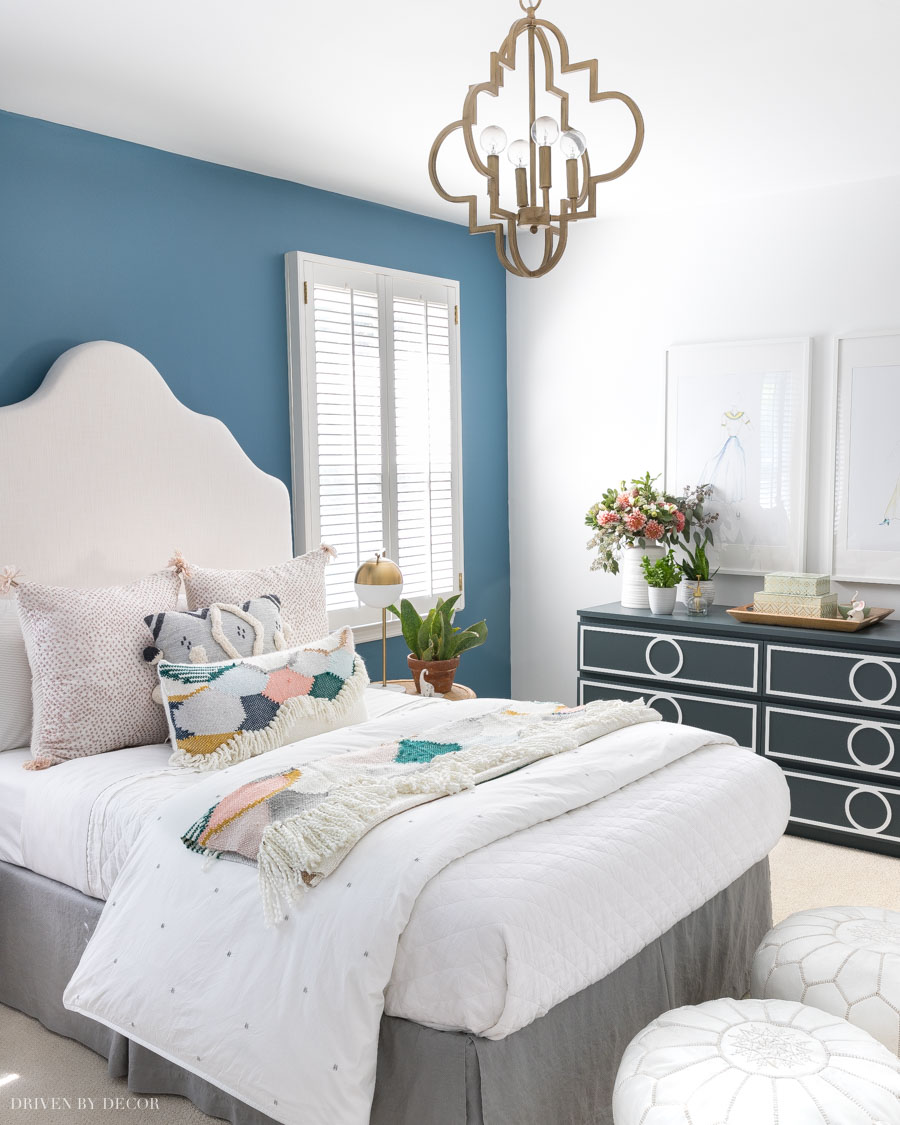 Love this color blue! Lots of beautiful blue paint color suggestions in this post!