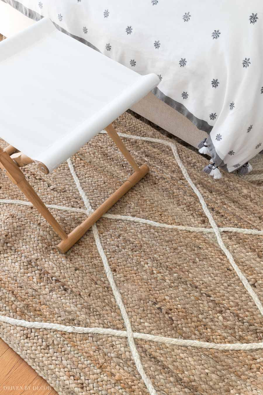 Such a great bedroom or living room jute rug - love the diamond pattern!