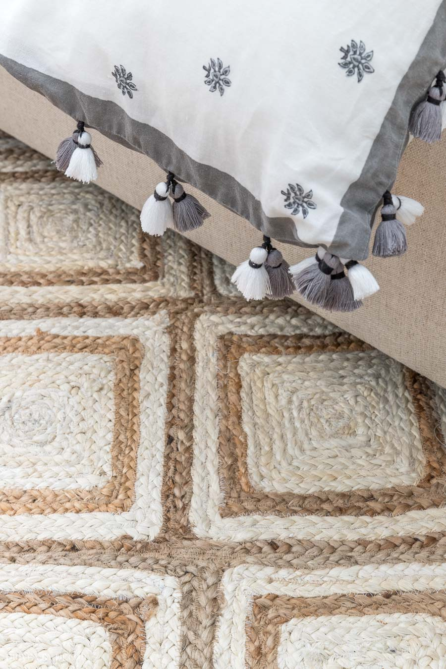 Love this jute rug! Lots of great info on jute rugs in this post!