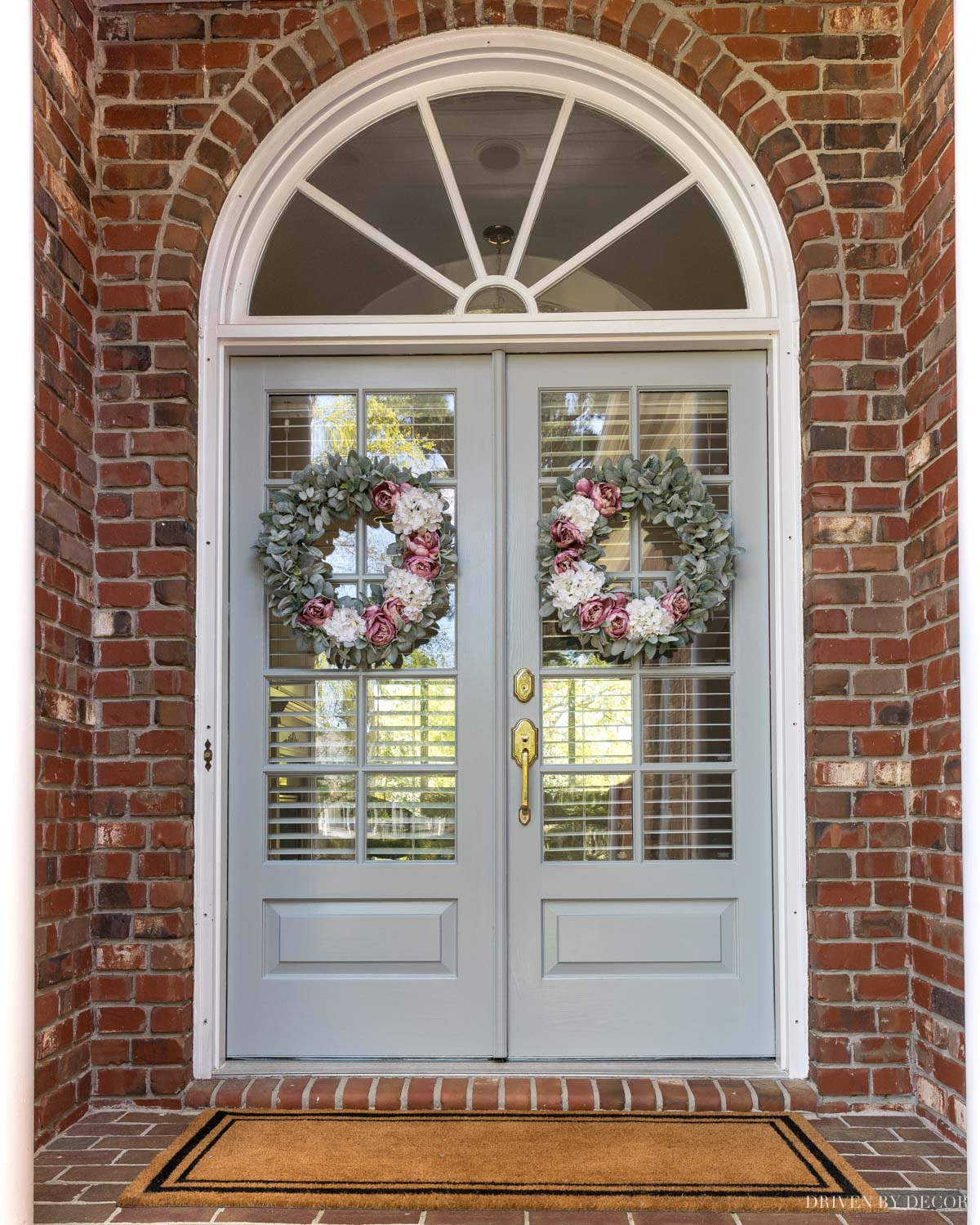 Gorgeous front door paint color and great tutorial on how she painted it!
