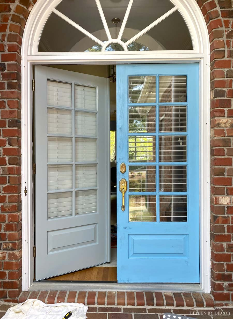 Great tutorial on how to paint your front door! Love the new color!