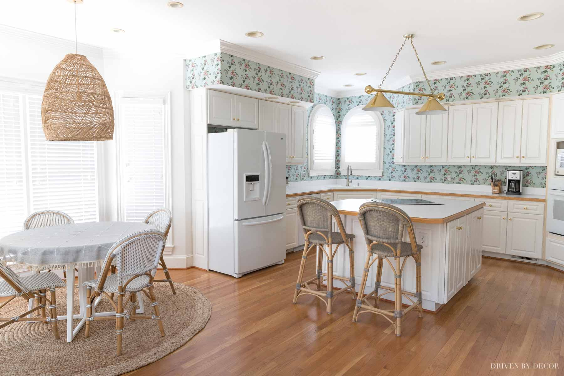 Love the breakfast nook in this kitchen she's updating!