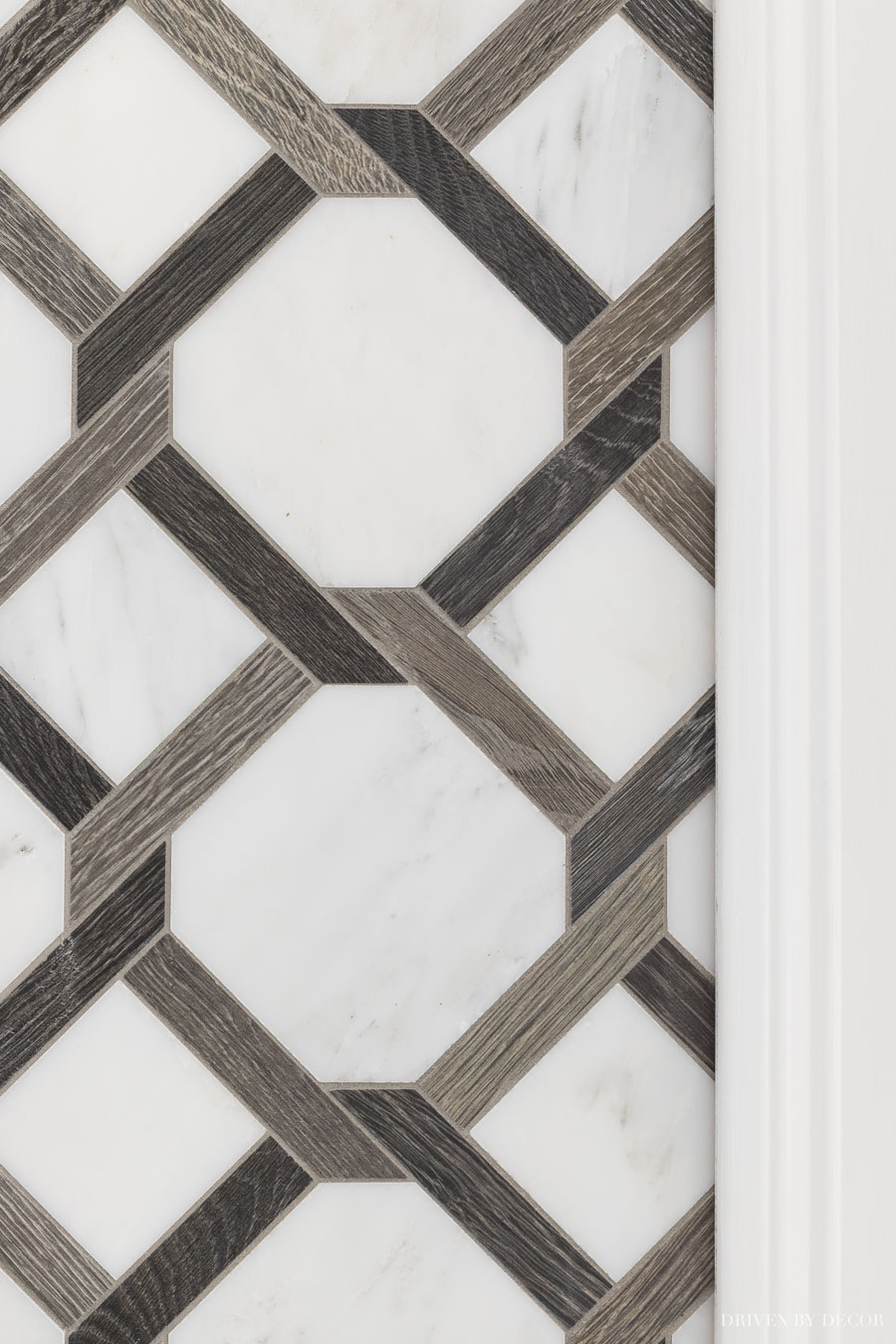 LOVE this tile that's a mix of porcelain and marble!