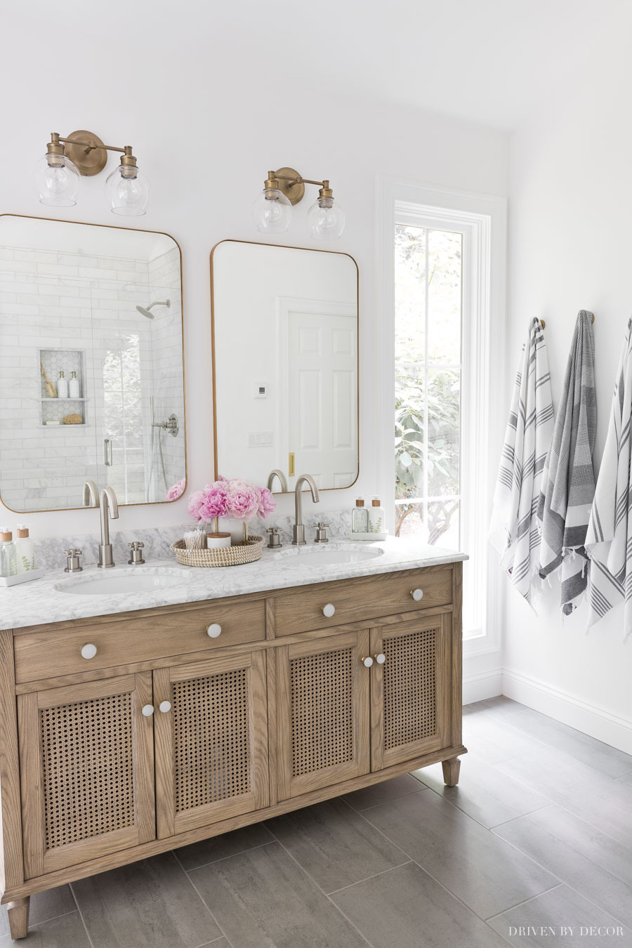 So in love with this bathroom vanity and wall with towel hooks!