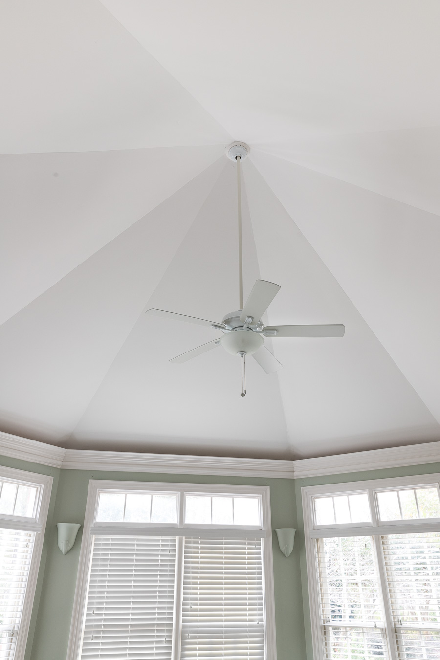 Love the design of this octagonal ceiling!