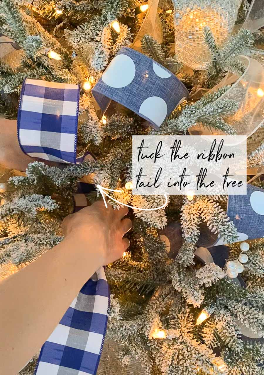 Decorating with Christmas tree ribbon - a step by step how-to!