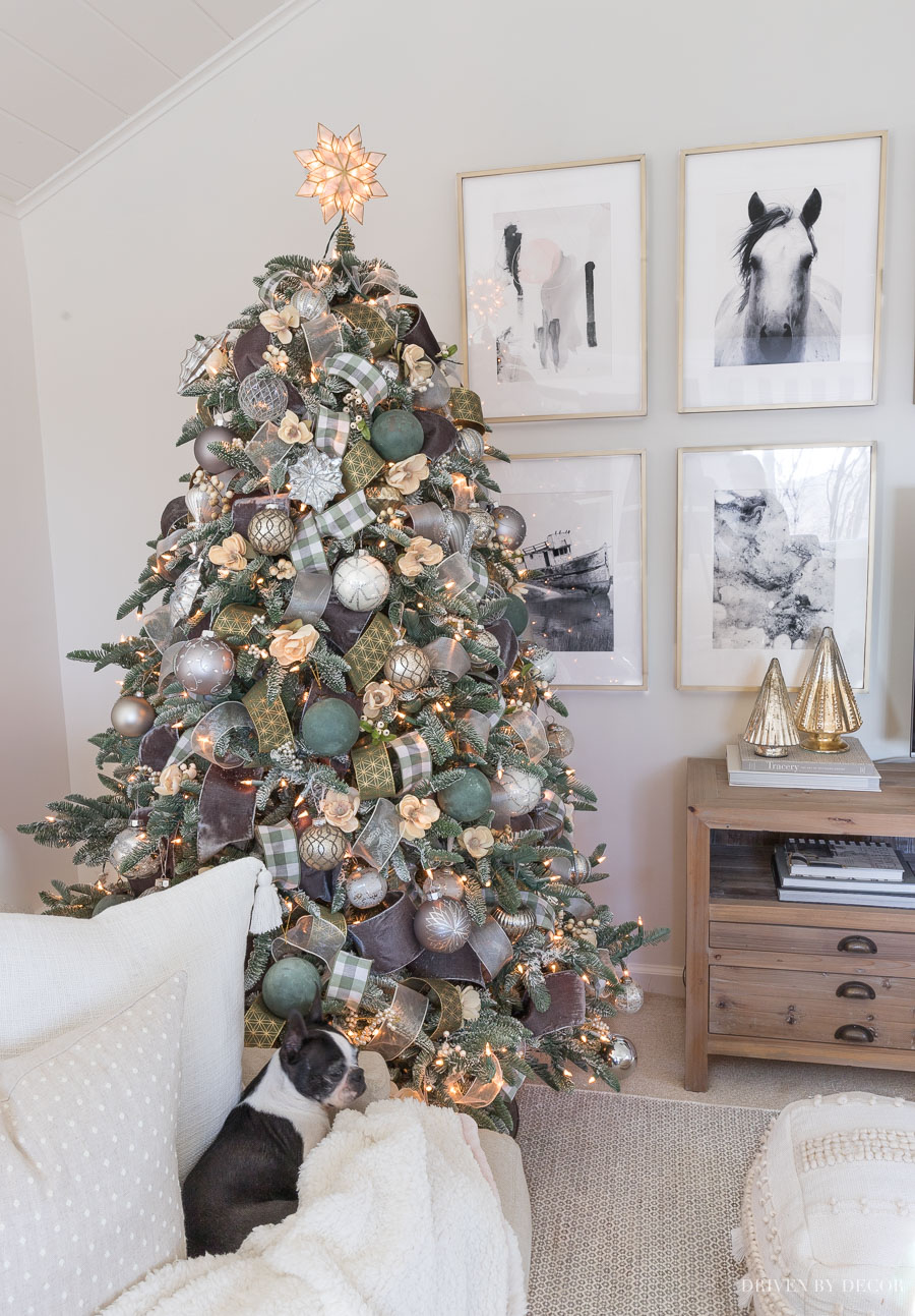 Such a helpful post on how to flock a Christmas tree - love how her tree turned out!