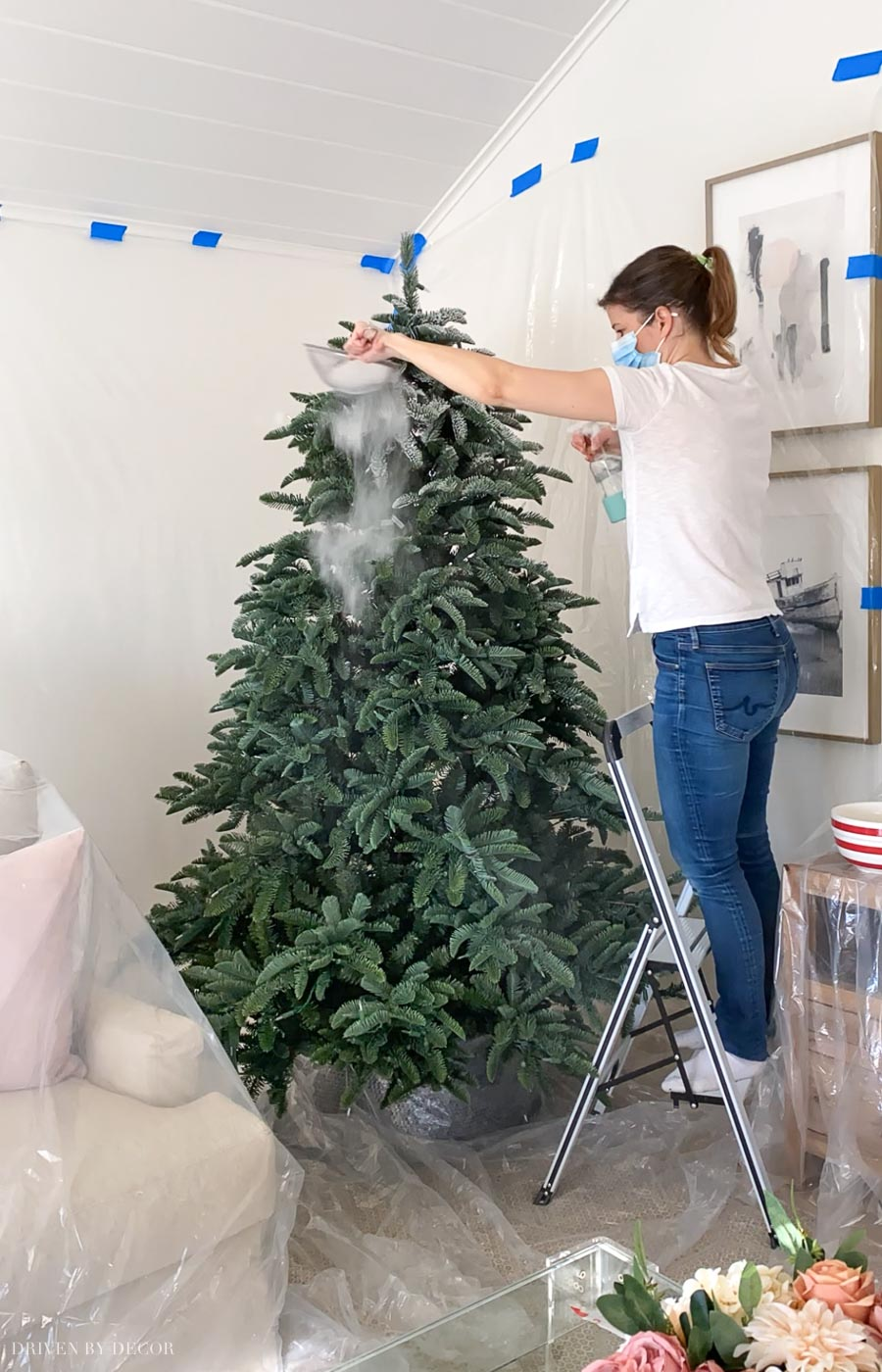 How to flock a Christmas tree! Such a helpful step by step of what to do!