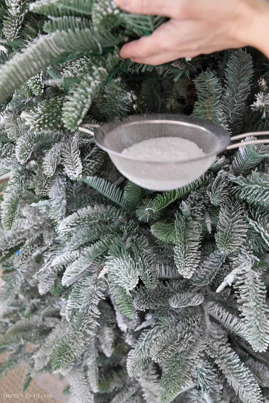 Great tips for how to flock a Christmas tree!