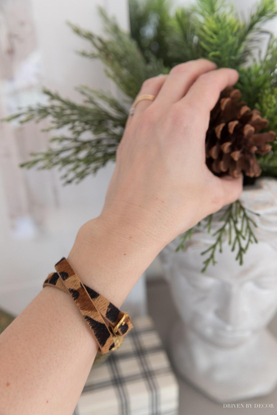 Move this simple leopard wrap bracelet - such a great Christmas gift!