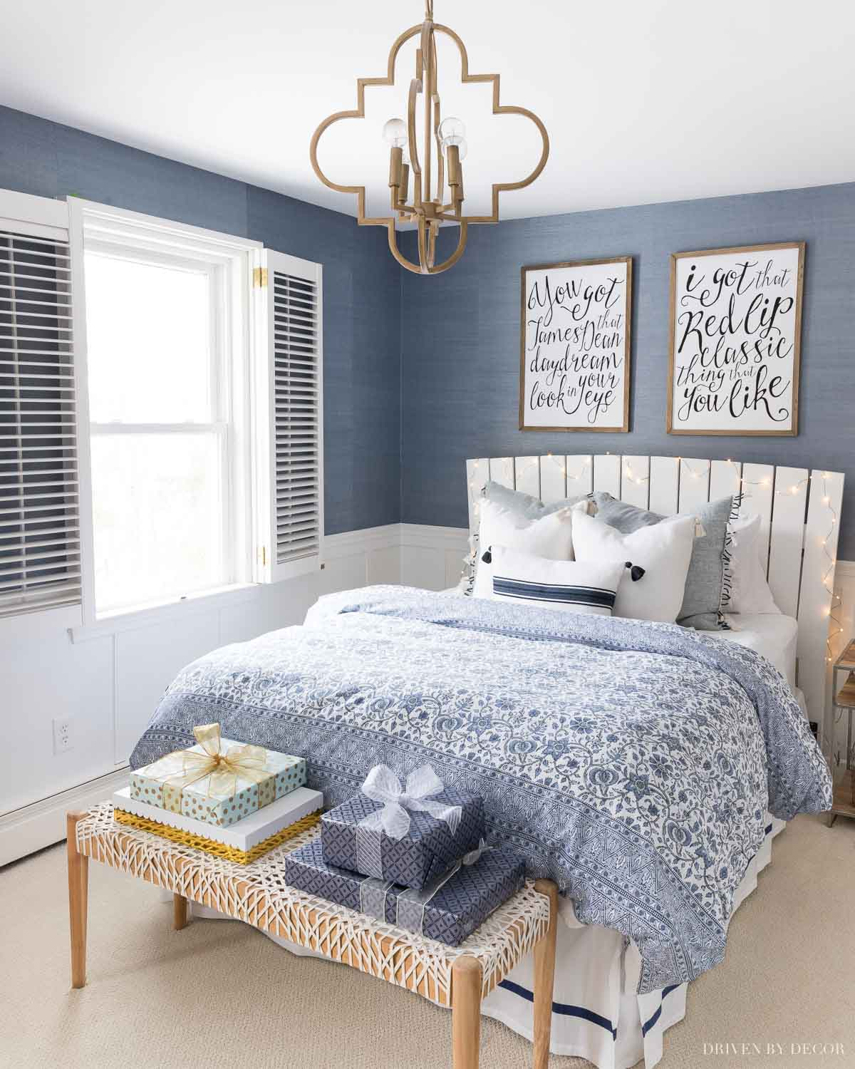 Love this blue and white bedroom at Christmas!