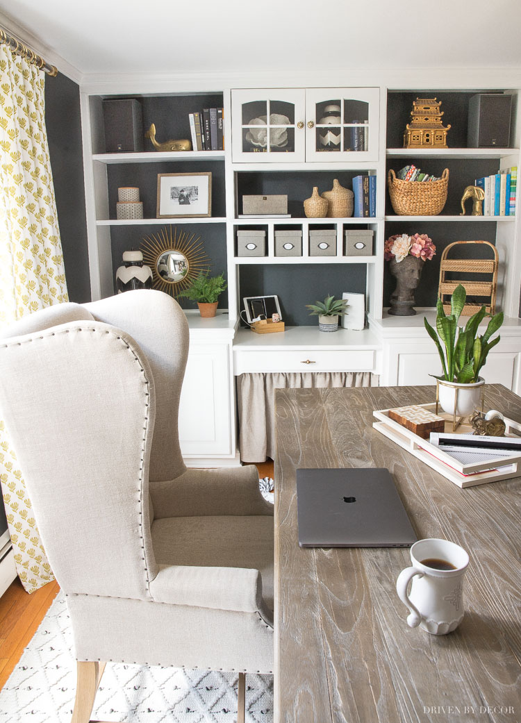 Desk organization ideas to get your work space organized and whipped into shape!