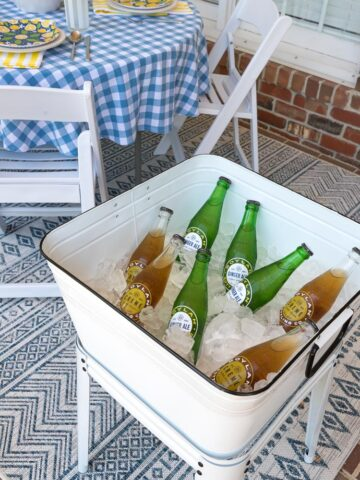 Love all of these ideas for outdoor summer gatherings!