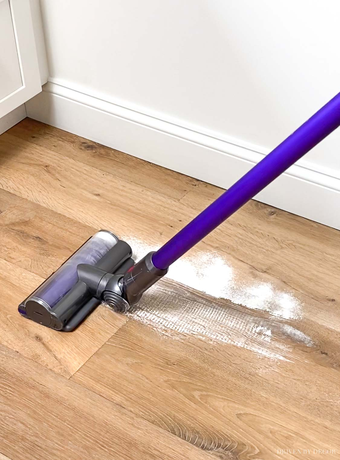 Shark vs. Dyson - comparing the suction power of these cordless vacuums!