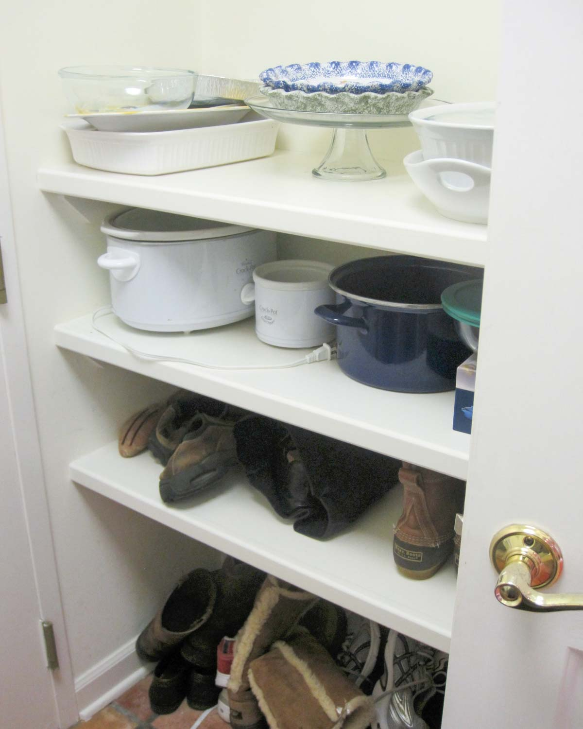 Home remodel: Laundry room before remodeling!