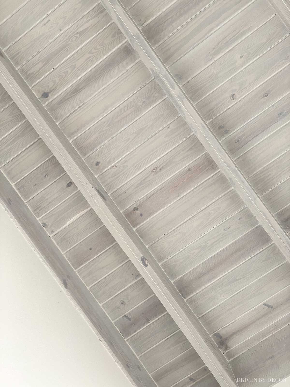 Love the look of this whitewashed planked ceiling!