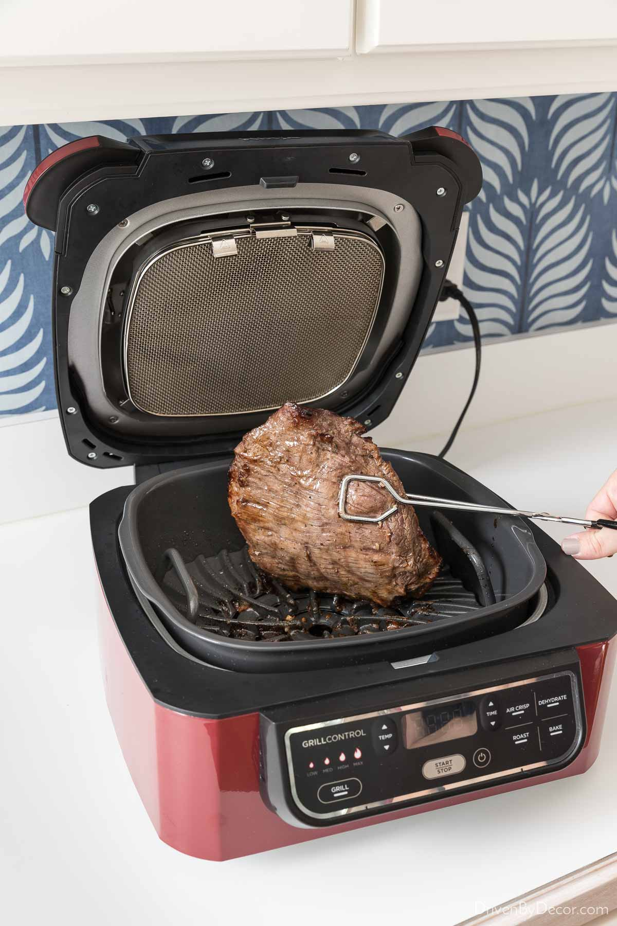 This Ninja Foodi indoor grill is one of the best small kitchen appliances - love it!