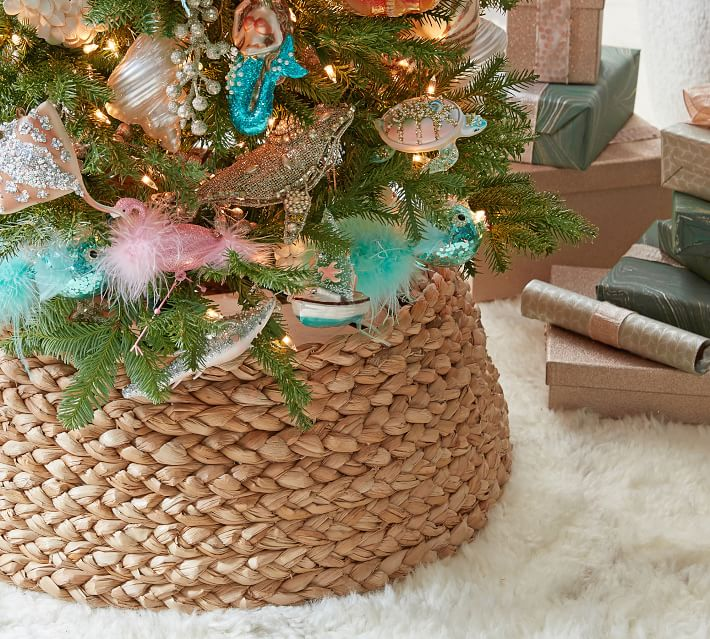 Gorgeous woven seagrass Christmas tree collar