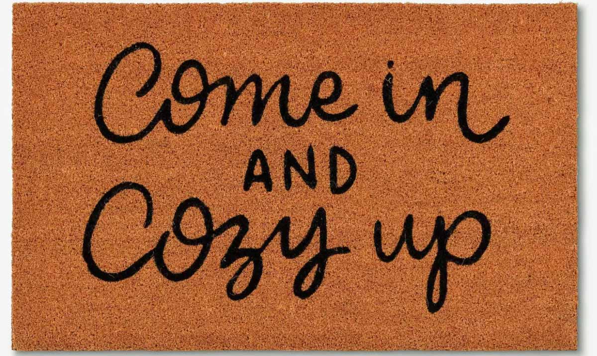 Great doormat for fall and winter!