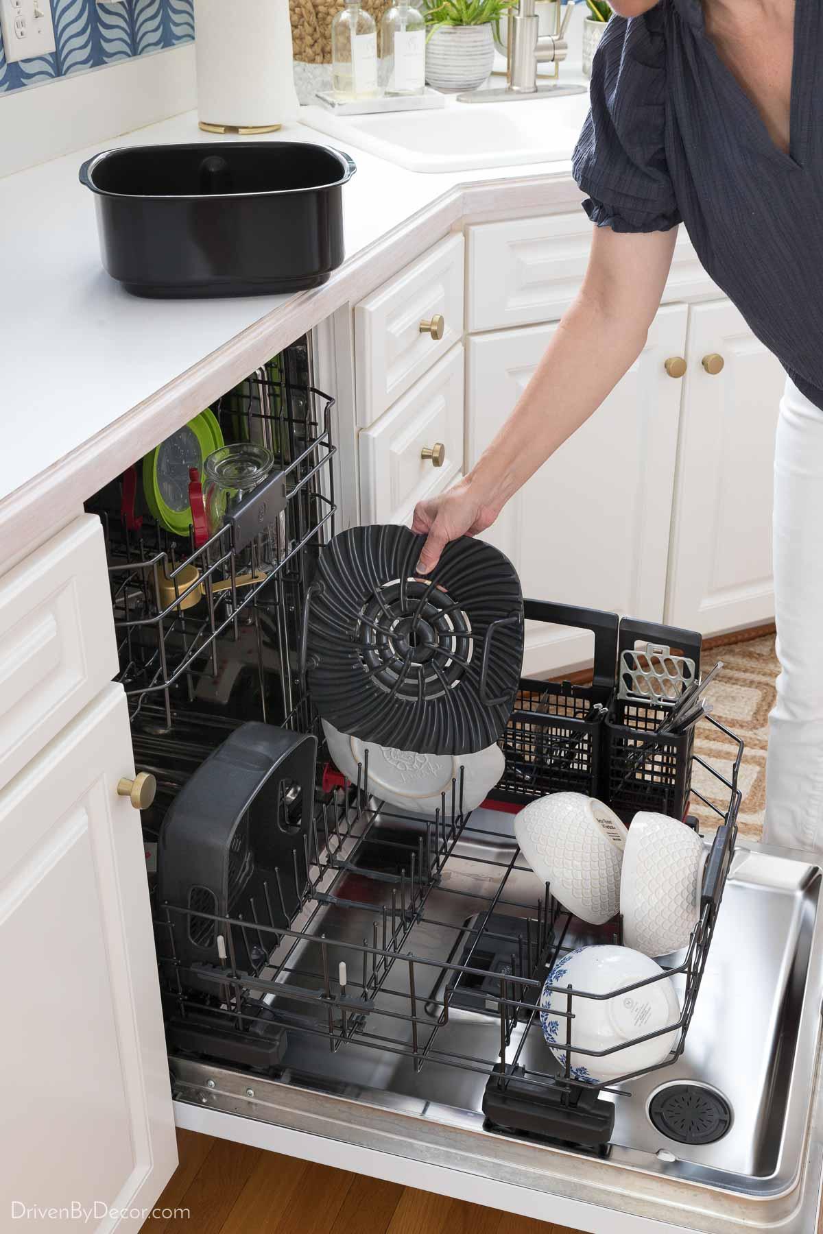 I love that the Ninja Foodi accessories are dishwasher safe!